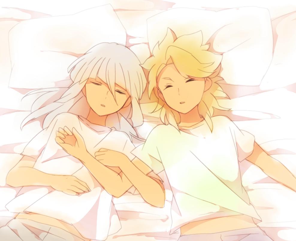 2boys bed closed_eyes from_above inazuma_eleven_(series) inazuma_eleven_go inazuma_eleven_go_galaxy lying male_focus multiple_boys on_back roran_lazarev sekina sleeping yuri_averin