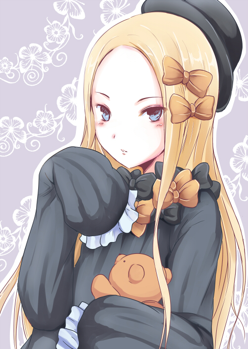 1girl abigail_williams_(fate/grand_order) bangs black_bow black_dress black_hat blonde_hair blue_eyes blush borijoikun bow commentary_request dress fate/grand_order fate_(series) forehead grey_background hair_bow hat long_hair long_sleeves looking_at_viewer object_hug orange_bow parted_bangs parted_lips sleeves_past_wrists solo stuffed_animal stuffed_toy teddy_bear very_long_hair