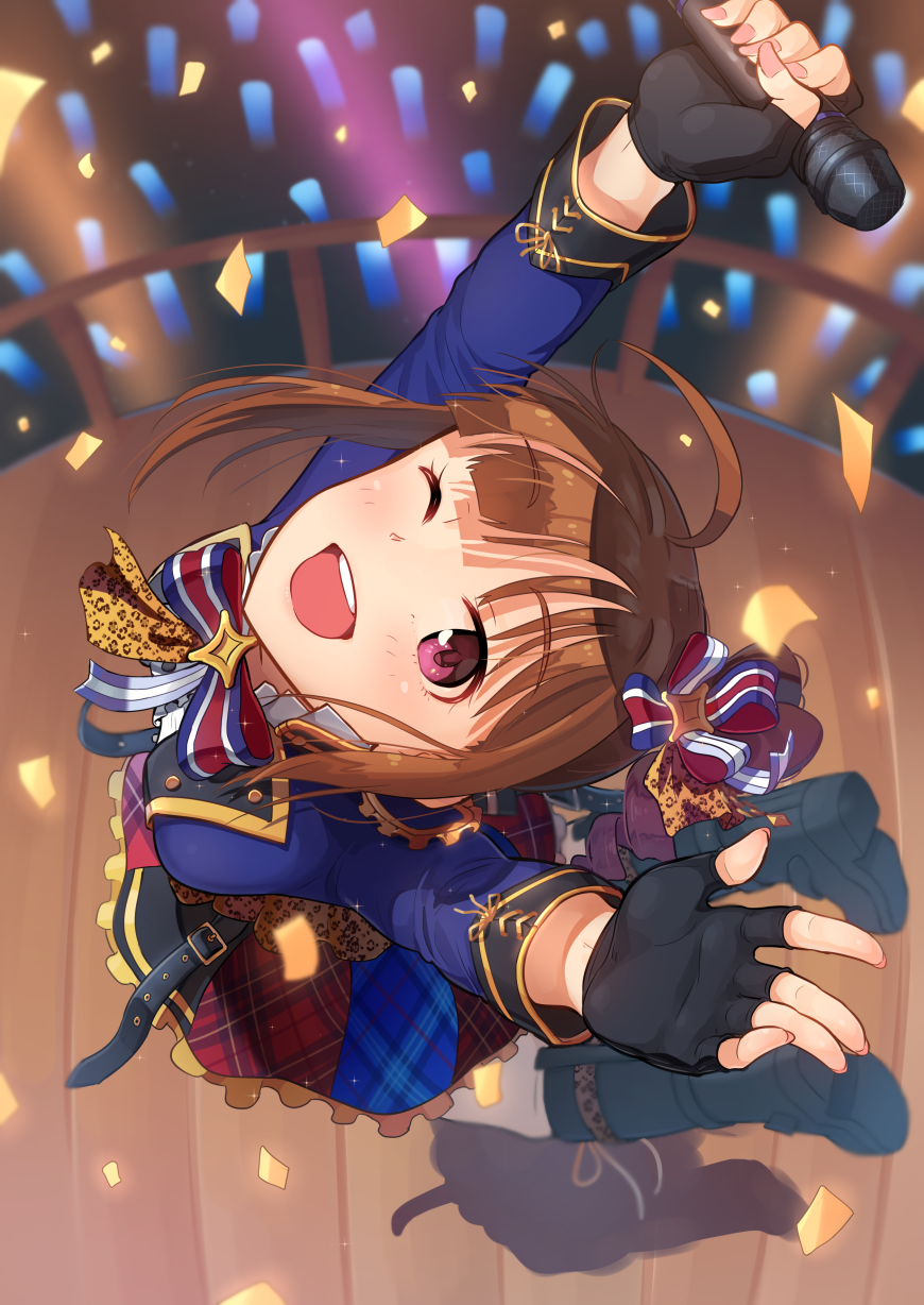 1girl black_footwear black_gloves blue_bow blush boots bow breasts brown_hair confetti drill_hair fingerless_gloves gloves hair_bow high_heel_boots high_heels highres holding holding_microphone idolmaster idolmaster_million_live! idolmaster_million_live!_theater_days kamille_(vcx68) looking_at_viewer medium_breasts microphone one_eye_closed open_mouth short_hair side_drill smile solo teeth violet_eyes yokoyama_nao