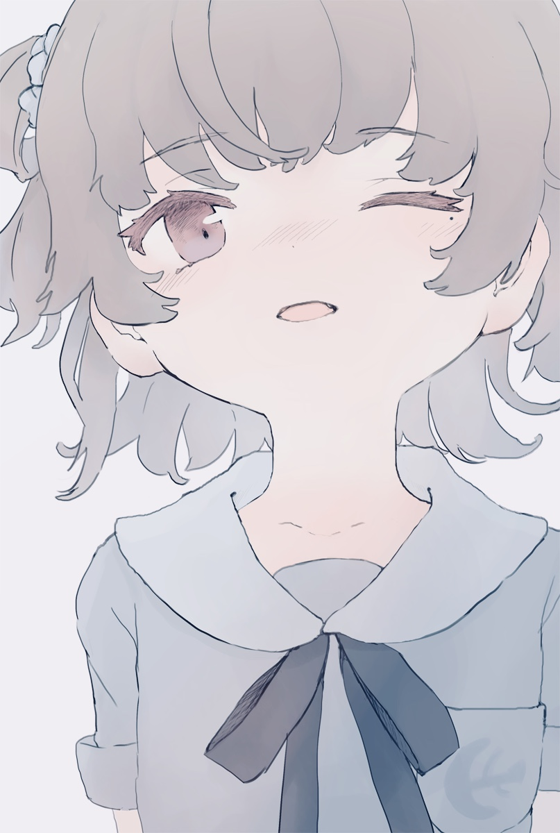 1girl anchor_symbol black_bow blush bow breast_pocket brown_eyes commentary_request fang grey_background grey_shirt hair_rings hatoba_tsugu hatoba_tsugu_(character) head_tilt highres looking_at_viewer mole mole_under_eye nose_blush one_eye_closed parted_lips pocket red_eyes revision sha2mo shirt short_sleeves simple_background solo virtual_youtuber