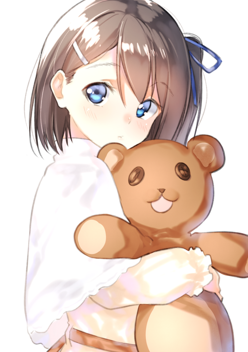 1girl bangs blue_eyes blue_ribbon blush brown_hair capelet closed_mouth commentary_request dress eyebrows_visible_through_hair hair_between_eyes hair_ornament hair_ribbon hairclip head_tilt highres long_sleeves object_hug one_side_up original ribbon simple_background solo stuffed_animal stuffed_toy suzunari_shizuku teddy_bear upper_body white_background white_capelet white_dress yuki_arare