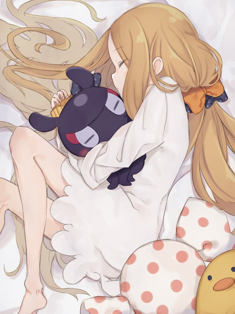 1girl abigail_williams_(fate/grand_order) animal animal_hug bangs barefoot bed_sheet black_bow blonde_hair blush bow closed_eyes closed_mouth commentary_request dress eyebrows_visible_through_hair fate/grand_order fate_(series) fingernails from_above hair_bow long_hair long_sleeves lying octopus on_side orange_bow parted_bangs polka_dot polka_dot_bow sleeping sleeves_past_wrists tokitarou_(fate/grand_order) totatokeke very_long_hair white_dress