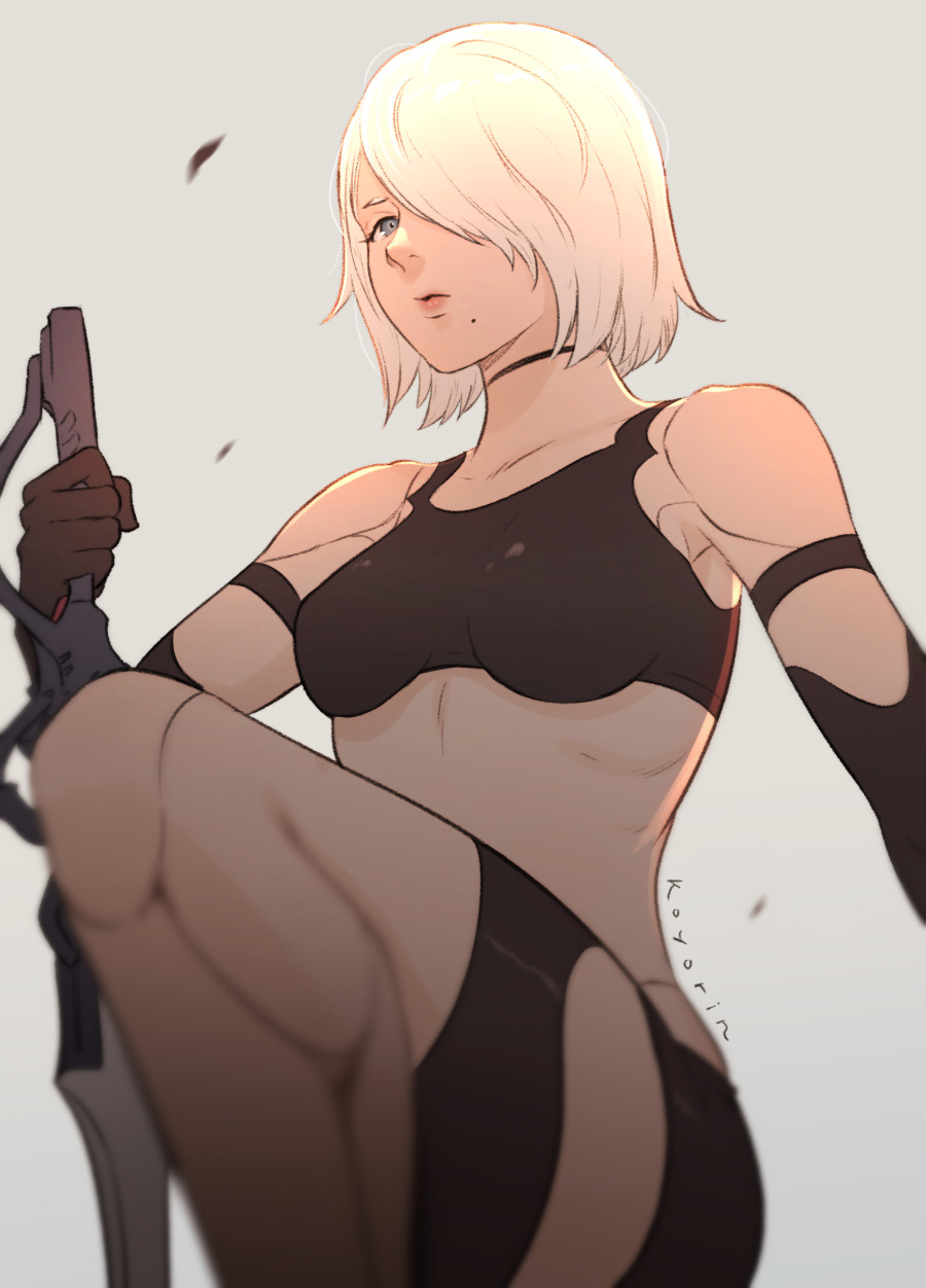 1girl android armlet black_gloves black_shorts black_tank_top breasts commentary elbow_gloves english_commentary gloves hair_over_one_eye highres holding holding_sword holding_weapon koyorin medium_breasts midriff mole mole_under_mouth nier_(series) nier_automata parted_lips pink_lips robot_joints short_hair short_shorts shorts silver_hair simple_background solo sword tank_top weapon yorha_type_a_no._2