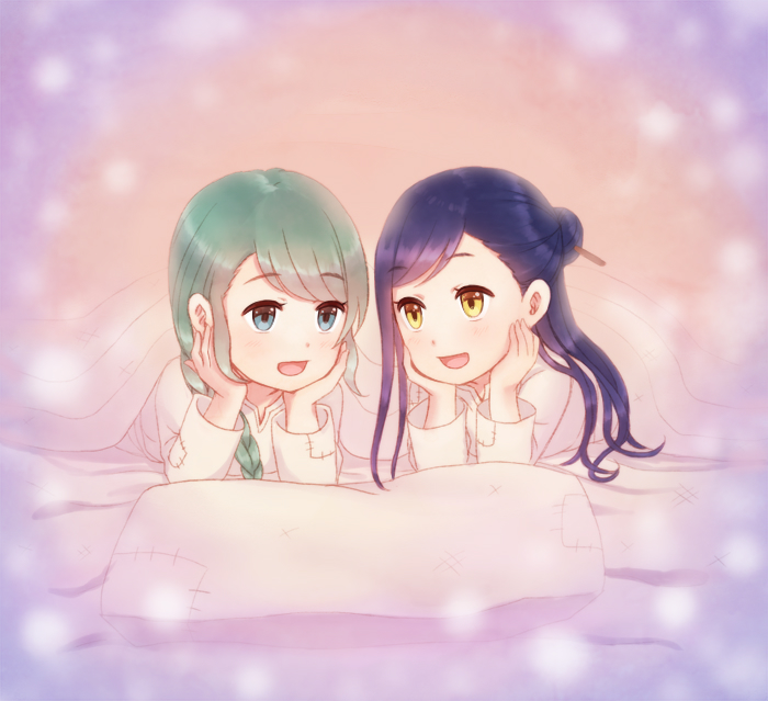 2girls :d bangs blanket blue_eyes blue_hair braid green_hair hair_bun hair_ornament hair_over_shoulder hair_stick half_updo hands_on_own_cheeks hands_on_own_face happy head_rest honzuki_no_gekokujou konoe3 long_hair long_sleeves looking_at_another lying maine_(honzuki_no_gekokujou) multiple_girls on_bed on_stomach open_mouth pillow shared_blanket siblings single_braid sisters smile stitches swept_bangs tuuli_(honzuki_no_gekokujou) under_covers yellow_eyes