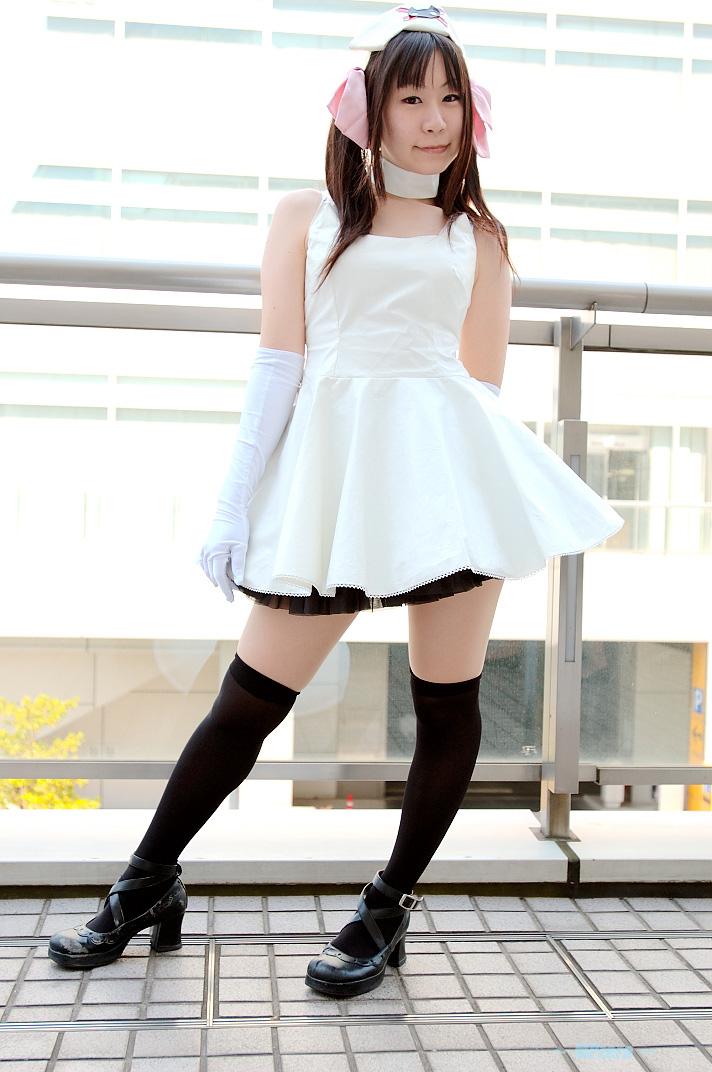 cosplay elbow_gloves hair_bows kirekawa_saku_(model) nurse nurse_uniform photo pure_trance ruriko_nasu thigh-highs twintails