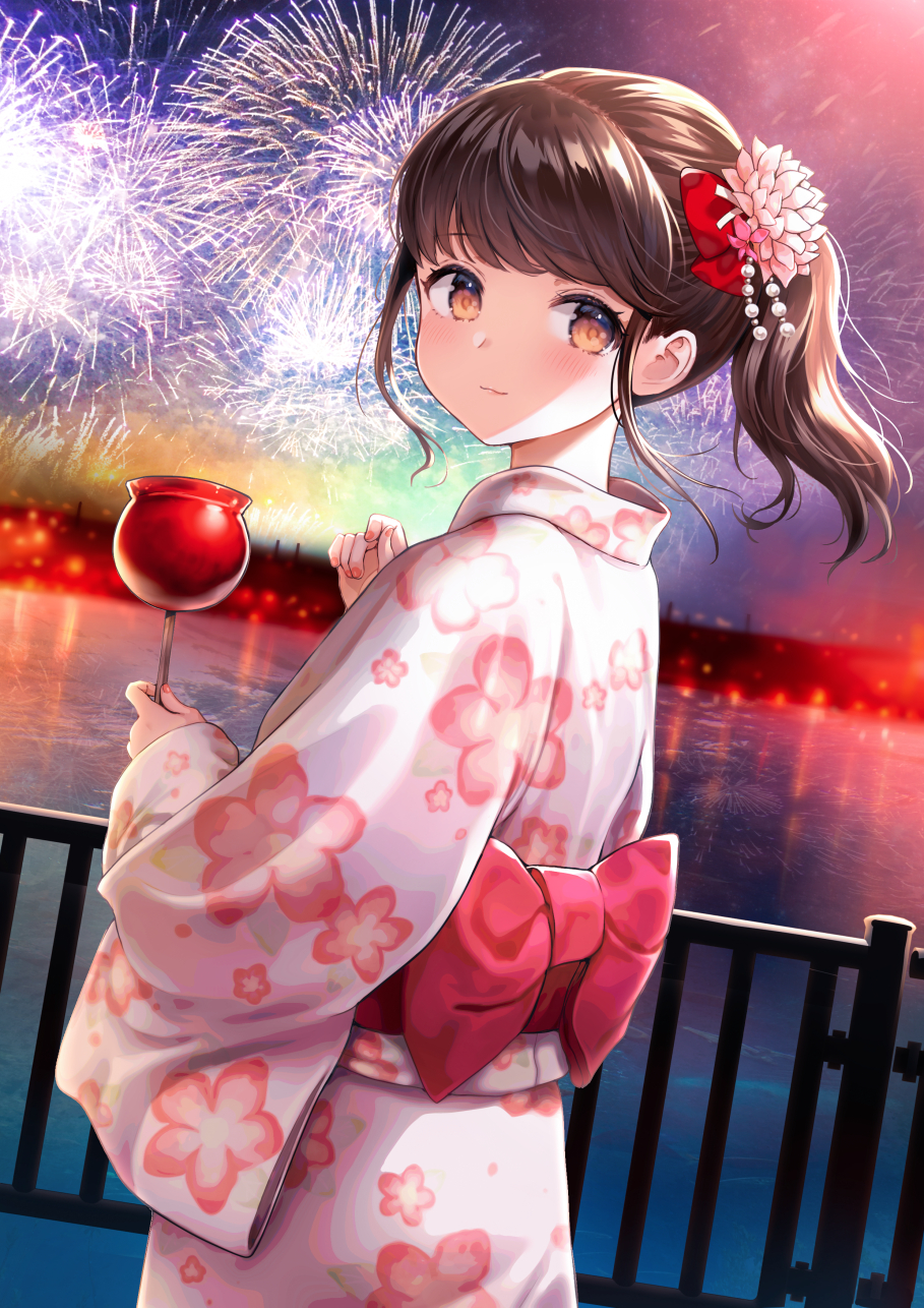 1girl aerial_fireworks bow brown_eyes brown_hair candy_apple closed_mouth commentary_request dutch_angle fireworks floral_print flower food hair_bow hair_flower hair_ornament highres holding holding_food japanese_clothes kimono looking_at_viewer looking_back nail_polish night night_sky nishizawa obi original outdoors pink_flower ponytail print_kimono railing red_bow sash sky smile solo water white_kimono
