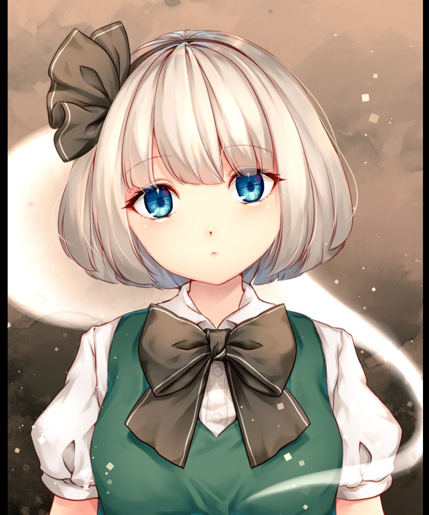 1girl bangs black_background black_border blue_eyes border bow breasts brown_background buttons chiyu_(kumataro0x0) closed_mouth collar commentary_request dress eyebrows_visible_through_hair gradient gradient_background green_dress grey_bow grey_hairband grey_neckwear hair_between_eyes hairband konpaku_youmu konpaku_youmu_(ghost) looking_at_viewer medium_breasts puffy_short_sleeves puffy_sleeves shirt short_hair short_sleeves silver_hair solo touhou upper_body white_collar white_shirt white_sleeves