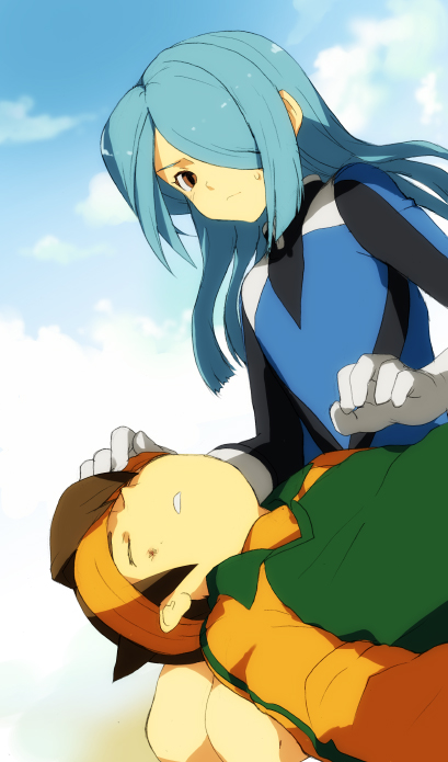 androgynous blue_hair bodysuit brown_hair bruise endou_mamoru closed_eyes hair_over_one_eye inazuma_eleven injury kazemaru_ichirouta red_eyes trap