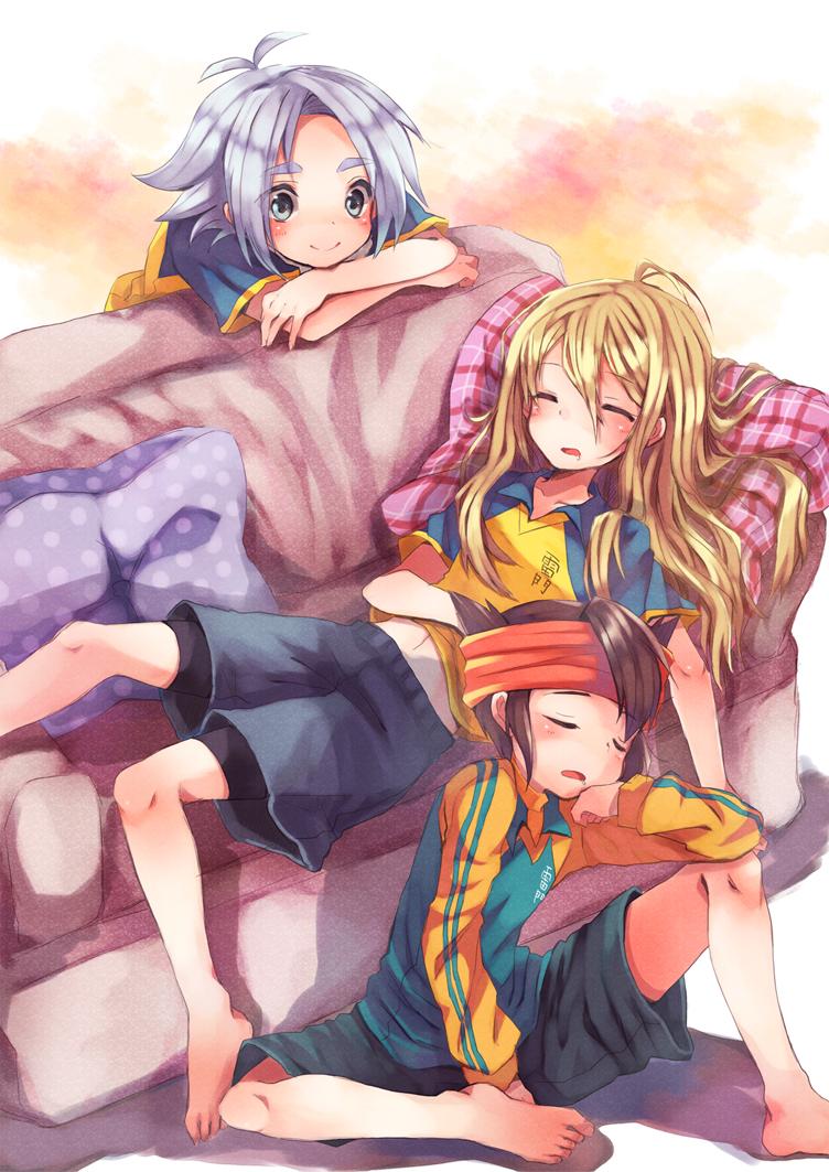 aphrodi aphrodite_(inazuma_eleven) barefoot closed_eyes endou_mamoru feet fubuki_shirou inazuma_eleven miya_(tsumazukanai) sleeping
