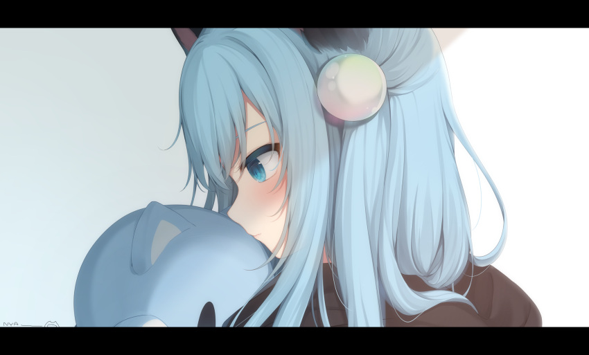 1girl amashiro_natsuki animal_ears bangs black_hoodie blue_eyes blue_hair blush cat_ears closed_mouth commentary_request grey_background hair_between_eyes hair_ornament highres hood hood_down hoodie letterboxed long_hair nekoha_shizuku original profile solo stuffed_animal stuffed_cat stuffed_toy