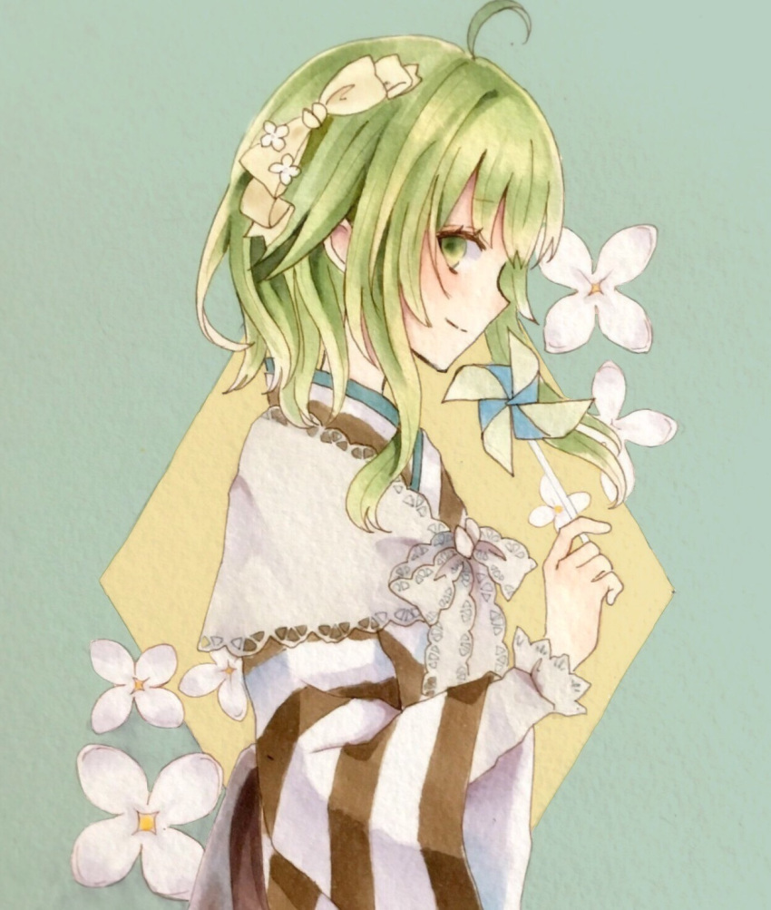 1girl ahoge bow capelet commentary_request flower from_side green_eyes green_hair gumi hair_bow hair_flower hair_ornament highres holding japanese_clothes kimono lace_trim long_hair long_sleeves looking_at_viewer looking_to_the_side marker_(medium) paruno pinwheel profile shirt smile solo striped striped_kimono traditional_media undershirt upper_body vocaloid white_shirt wide_sleeves