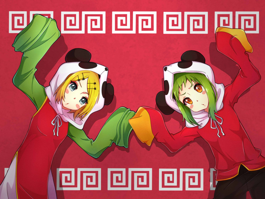 2girls blonde_hair blue_eyes blush brown_eyes chinese_clothes eyebrows green_hair gumi hair_ornament hairclip highres kagamine_rin kukie-nyan looking_at_viewer multiple_girls red_background sleeves_past_wrists vocaloid yie_ar_fan_club_(vocaloid)