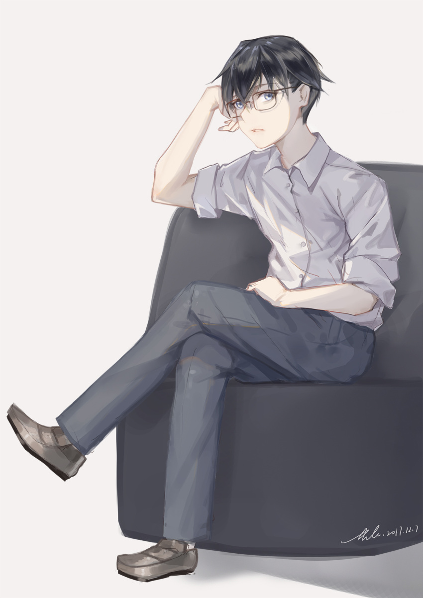 1boy black_hair black_pants blue_eyes brown_footwear dated glasses grey_background hand_in_lap highres legs_crossed looking_at_viewer luozhou_pile male_focus original pants parted_lips sitting sketch