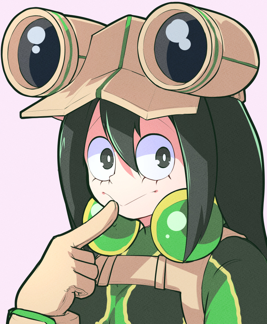 1girl :> absurdres asui_tsuyu bodysuit boku_no_hero_academia brown_gloves commentary_request face finger_to_mouth gloves goggles goggles_on_head green_bodysuit green_eyes green_hair hair_between_eyes highres huge_filesize jipponwazaari long_hair looking_at_viewer simple_background solo white_background