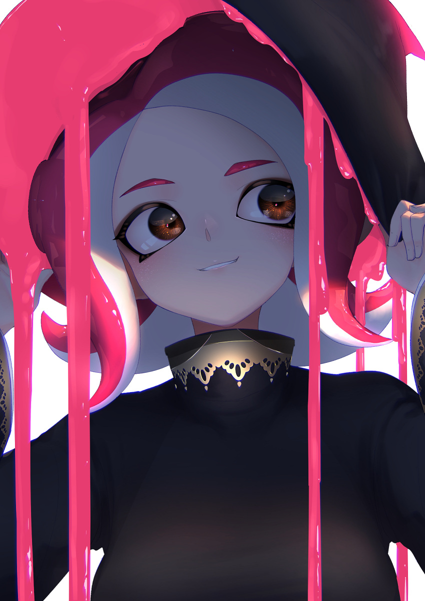 1girl black_headwear black_shirt breasts brown_eyes grin hands_on_headwear hat head_tilt highres holding ink kashu_(hizake) long_sleeves looking_away medium_breasts medium_hair monster_girl octoling redhead shade shiny shiny_hair shirt simple_background smile solo splatoon splatoon_(series) splatoon_2 splatoon_2:_octo_expansion suction_cups tentacle_hair turtleneck upper_body white_background witch_hat