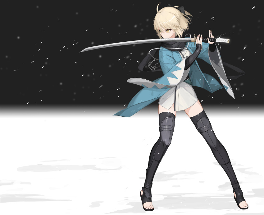 1girl ahoge akai2930 arm_guards black_bow black_scarf blonde_hair bow fate/grand_order fate_(series) fighting_stance full_body half_updo haori highres holding holding_sword holding_weapon japanese_clothes katana kimono leg_armor looking_to_the_side obi okita_souji_(fate) okita_souji_(fate)_(all) sash scarf serious short_kimono snow solo stirrup_legwear sword thigh-highs toeless_legwear weapon wide_sleeves