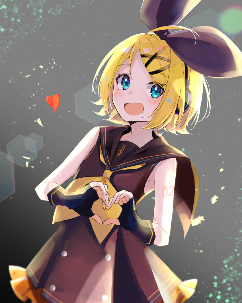 1girl absurdres alternate_color bangs bare_shoulders black_bow black_collar black_dress black_gloves blonde_hair blue_eyes bow collar commentary cowboy_shot dress fingerless_gloves frilled_skirt frills gloves hair_bow hair_ornament hairclip heart heart_hands hexagon highres kagamine_rin lens_flare light_blush looking_at_viewer note55885 open_mouth sailor_collar school_uniform shoulder_tattoo skirt sleeveless sleeveless_dress smile solo swept_bangs tattoo treble_clef vocaloid vocaloid_(sour-type_ver)