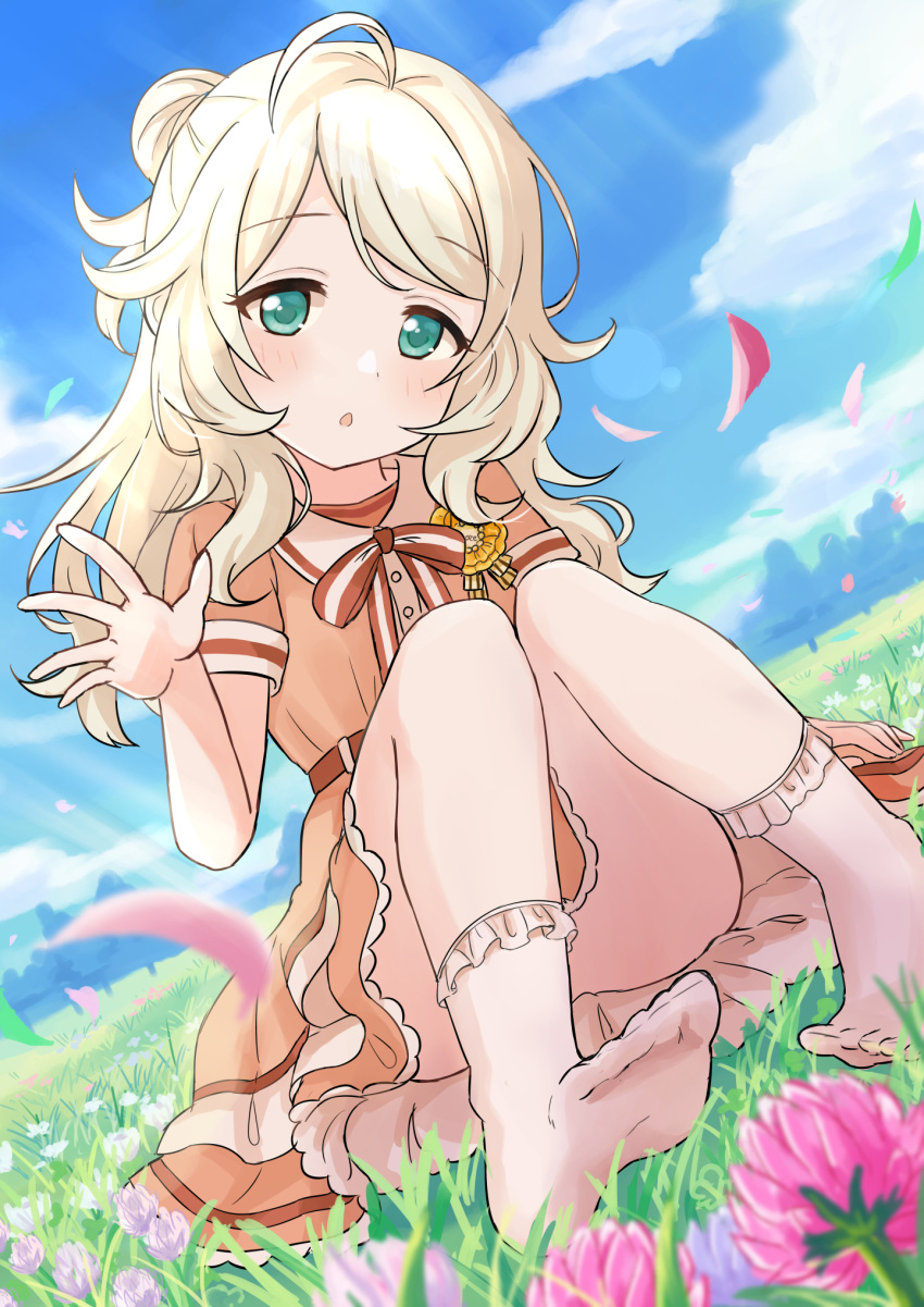 1girl ahoge bangs blonde_hair blue_sky blurry blurry_foreground blush bobby_socks bow brown_bow brown_dress clouds convenient_leg day depth_of_field dress dutch_angle eluthel eyebrows_visible_through_hair flower green_eyes hair_bun hand_up highres idolmaster idolmaster_cinderella_girls idolmaster_cinderella_girls_starlight_stage long_hair looking_at_viewer no_shoes outdoors parted_bangs parted_lips petals pink_flower short_sleeves sitting sky socks soles solo striped striped_bow white_legwear yusa_kozue