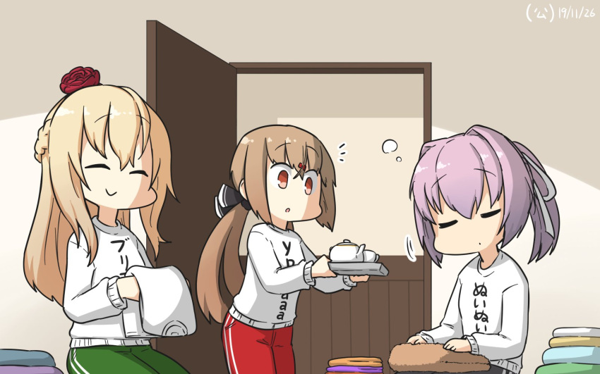 3girls black_bow blonde_hair blush bow braid brown_eyes brown_hair closed_eyes closed_mouth cup cyrillic eyebrows_visible_through_hair flower french_braid green_pants hair_between_eyes hair_bow hair_ornament hairclip hamu_koutarou highres kantai_collection long_hair long_sleeves low_twintails multiple_girls open_door pants pink_hair red_flower red_pants red_rose rose shiranui_(kantai_collection) shirt short_hair smile tashkent_(kantai_collection) teacup translated tray twintails warspite_(kantai_collection) white_shirt