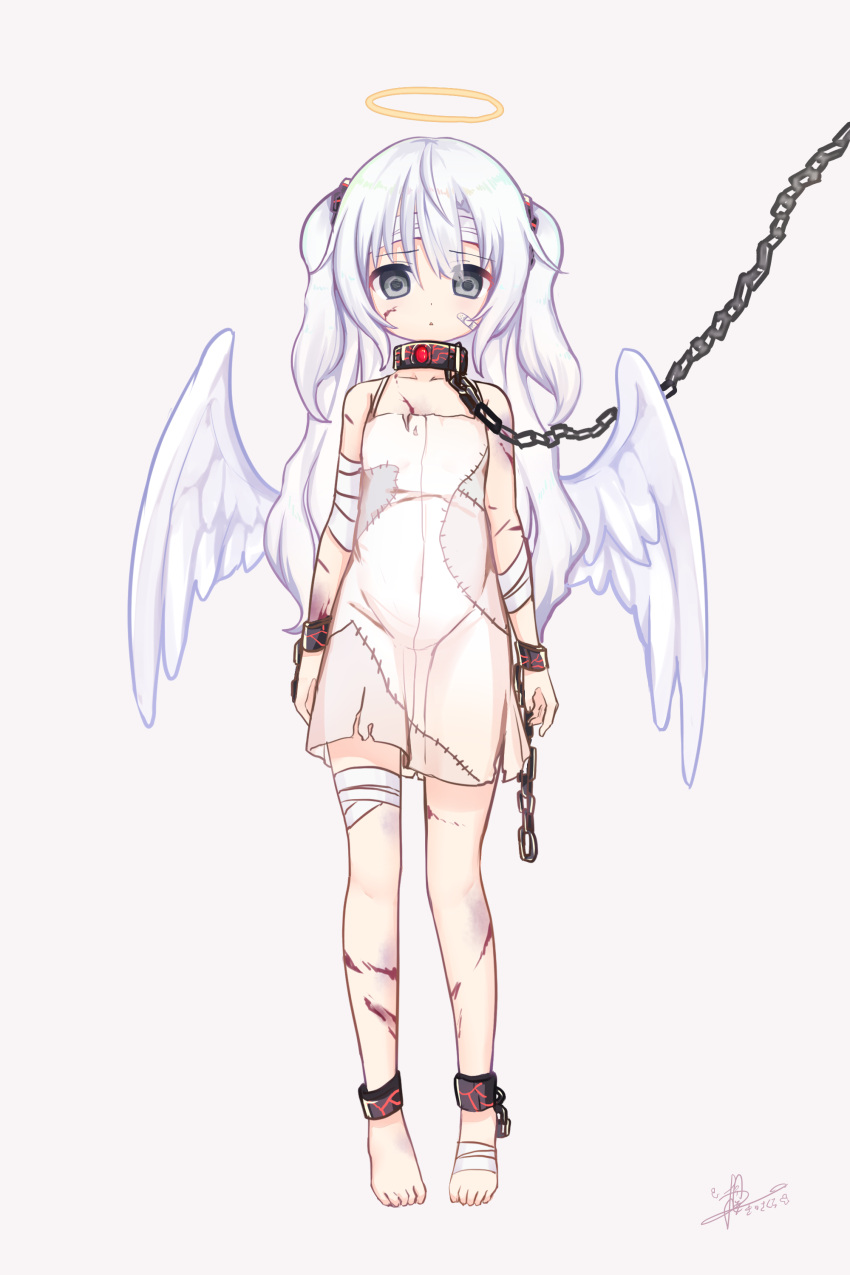 1girl :< absurdres angel angel_wings bandaged_arm bandaged_feet bandaged_head bandaged_leg bandages bandaid bandaid_on_cheek bangs bare_shoulders blush chain collarbone commentary_request cuffs cuts dress eyebrows_visible_through_hair feathered_wings full_body grey_background grey_eyes hair_between_eyes hair_ornament halo highres injury kiri_sakura long_hair original parted_lips signature silver_hair simple_background sleeveless sleeveless_dress solo standing triangle_mouth two_side_up very_long_hair white_dress white_wings wings