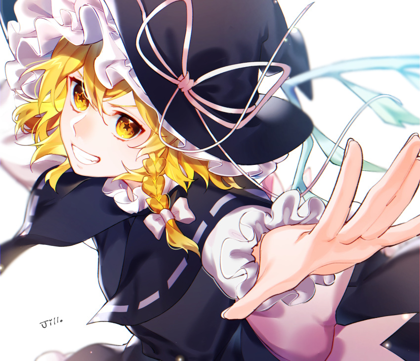 +_+ 1girl black_capelet black_skirt black_vest blonde_hair bow braid capelet commentary_request curly_hair frilled_hat frills from_side grin hair_bow hat hat_ribbon highres jill_07km kirisame_marisa leaning_forward long_hair long_sleeves looking_afar outstretched_arms reaching_out ribbon ribbon-trimmed_capelet signature simple_background single_braid skirt smile solo touhou vest white_background white_bow white_ribbon witch witch_hat yellow_eyes