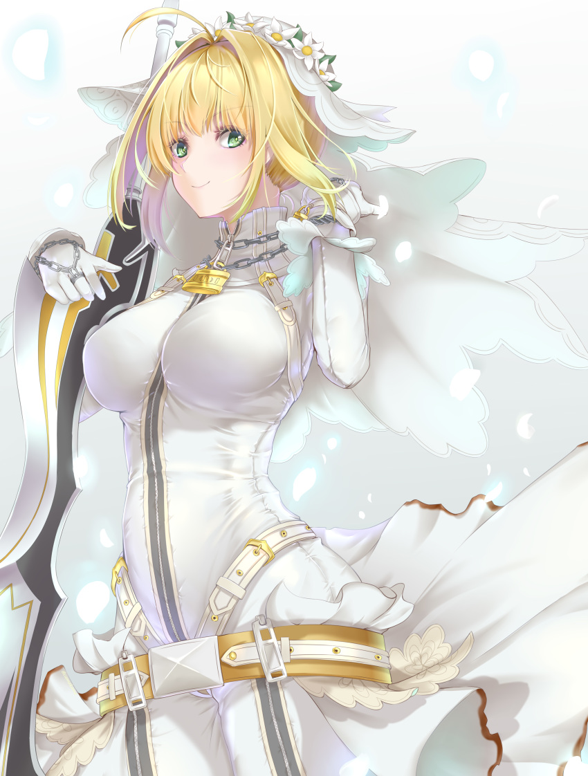 1girl absurdres aestus_estus ahoge bangs blonde_hair blush bodysuit breasts bridal_veil chain fate/extra fate/extra_ccc fate_(series) full-length_zipper green_eyes hair_intakes head_wreath highres kamehito large_breasts lock looking_at_viewer nero_claudius_(bride)_(fate) nero_claudius_(fate)_(all) padlock smile veil white_bodysuit zipper