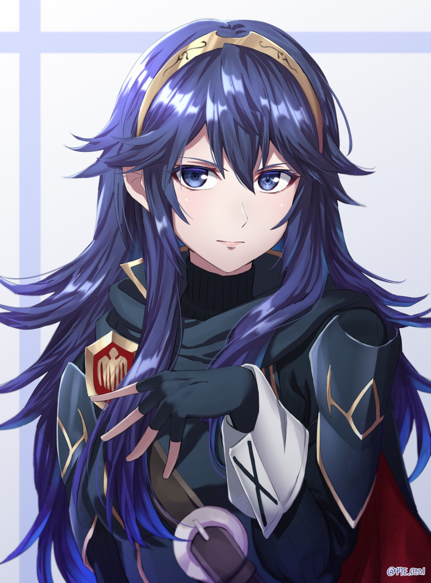 1girl armor blue_eyes blue_hair cape fingerless_gloves fire_emblem fire_emblem_awakening gloves hair_between_eyes highres long_hair looking_at_viewer lucina_(fire_emblem) shinae simple_background smile solo super_smash_bros. tiara