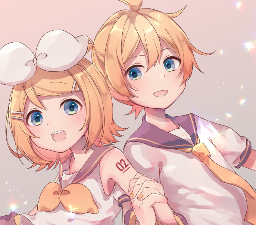 1boy 1girl arm_warmers bangs bare_shoulders bass_clef beige_background black_collar blonde_hair blue_eyes bow collar commentary grey_collar hair_bow hair_ornament hairclip holding_hands kagamine_len kagamine_rin looking_at_viewer nail_polish neck_ribbon neckerchief necktie open_mouth ribbon sailor_collar sazanami_(ripple1996) school_uniform shirt short_hair short_sleeves shoulder_tattoo sleeveless sleeveless_shirt smile sparkle spiky_hair swept_bangs symbol_commentary tattoo treble_clef upper_body vocaloid white_bow white_shirt yellow_nails yellow_neckwear