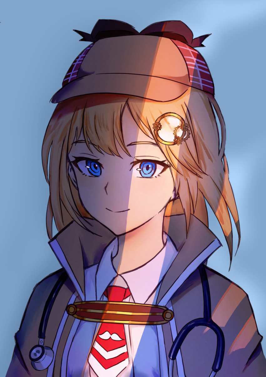 1girl blonde_hair blue_bag blue_eyes commentary deerstalker english_commentary hair_ornament hairclip hat highres hololive hololive_english long_hair looking_at_viewer mini_necktie monocle_hair_ornament plpiromkul red_neckwear shadow shirt simple_background smile solo stethoscope upper_body virtual_youtuber watson_amelia white_shirt wing_collar