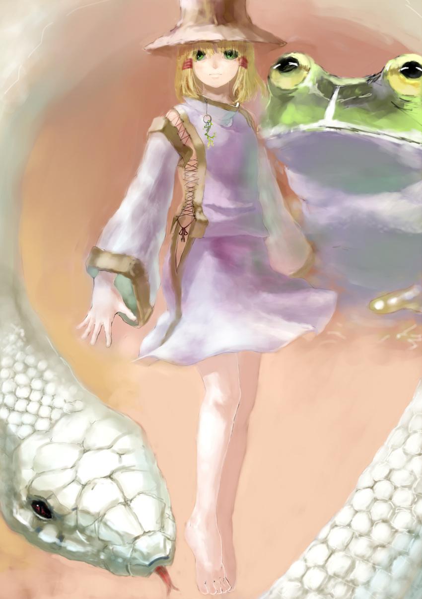 absurdres barefoot benitama blonde_hair frog green_eyes hat highres mishaguji moriya_suwako short_hair snake solo touhou white_snake