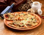 clam food garlic highres jiji_(kbj0225) no_humans original photorealistic pizza shrimp rating:Safe score:4 user:danbooru