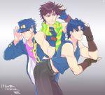 3boys blue_eyes blue_hair family fingerless_gloves gloves hat jojo_no_kimyou_na_bouken jonathan_joestar joseph_joestar_(young) kuujou_joutarou long_coat mikumikudance multiple_boys posing rwk scarf translated