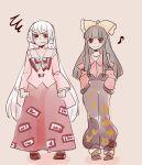 2girls black_hair bow cosplay costume_switch fujiwara_no_mokou houraisan_kaguya komaku_juushoku long_hair multiple_girls red_eyes ribbon silver_hair touhou