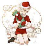 1boy christmas gloves gokotai gokotai's_tigers hair_over_one_eye hat kneeling looking_at_viewer male_focus mizuhara_aki santa_hat short_hair shorts solo thigh-highs tiger tiger_cub touken_ranbu white_hair white_tiger yellow_eyes