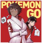 10s 1boy 1girl ? black_hair brown_hair can't_be_this_cute candela_(pokemon) coat copyright_name crossed_arms dark_skin gloves hood hoodie male_protagonist_(pokemon_go) ore_no_imouto_ga_konna_ni_kawaii_wake_ga_nai pokemon pokemon_go red_background red_eyes sen-jou simple_background spoken_squiggle squiggle upper_body visor_cap