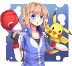 1girl ashujou baseball_cap blonde_hair blue_eyes blush breasts cosplay fingerless_gloves gloves hat open_mouth pikachu pokemon pokemon_(anime) pokemon_(creature) satoshi_(pokemon) satoshi_(pokemon)_(cosplay) serena_(pokemon) short_hair smile