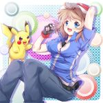 1girl ashujou baseball_cap blonde_hair blue_eyes blush breasts cosplay crossdressing fingerless_gloves gloves hat open_mouth pikachu pokemon pokemon_(anime) pokemon_(creature) satoshi_(pokemon) satoshi_(pokemon)_(cosplay) serena_(pokemon) short_hair smile solo