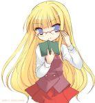 1girl book evangeline_a_k_mcdowell glasses lowres mahou_sensei_negima! mizutama mizutama_(artist) solo vampire