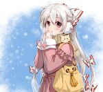 1girl alternate_costume bag blush bow breath coat commentary_request contemporary earmuffs fujiwara_no_mokou hair_bow highres long_hair long_sleeves looking_at_viewer parted_lips pink_coat red_eyes scarf shangguan_feiying snowing touhou very_long_hair white_hair