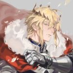1boy agentj armor artist_name artoria_pendragon_(all) artoria_pendragon_(lancer) cape fate/grand_order fate_(series) fur_trim gauntlets genderswap genderswap_(ftm) green_eyes grey_background looking_at_viewer male_focus parted_lips red_cape revision sidelocks signature simple_background upper_body watermark
