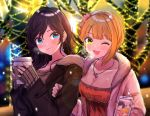 2girls ;d ahoge backlighting bangs blonde_hair blurry blurry_background blush breasts breath brown_coat cleavage closed_mouth coat collarbone cup depth_of_field earrings eyebrows_visible_through_hair eyelashes flower fur_collar fur_trim green_eyes hair_flower hair_ornament hand_on_another's_arm hayami_kanade heart heart_necklace highres holding holding_cup ichinose_shiki idolmaster idolmaster_cinderella_girls jewelry lens_flare lips long_hair long_sleeves looking_at_viewer miyamoto_frederica multiple_girls nail_polish necklace one_eye_closed open_clothes open_coat open_mouth outdoors parted_bangs pendant pink_coat pink_nails shiny shiny_hair shiomi_shuuko short_hair sleeves_past_wrists smile tareme tomato_omurice_melon yellow_nails