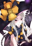 1girl abigail_williams_(fate/grand_order) absurdres bangs black_bow black_hat bow closed_mouth commentary_request eyebrows_visible_through_hair fate/grand_order fate_(series) hat hat_bow highres long_hair orange_bow pale_skin parted_bangs red_eyes revealing_clothes solo spilut suction_cups tentacle topless v-shaped_eyebrows very_long_hair white_background white_hair witch_hat