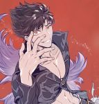 1boy belial_(granblue_fantasy) black_pants black_shirt crazy_eyes feather_boa granblue_fantasy grin looking_at_viewer male_focus midriff pants pectorals red_background red_eyes shirt simple_background smile solo toned toned_male upper_body
