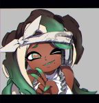 1girl ;) black_hair cephalopod_eyes dark_skin esu_(transc) fang green_eyes green_hair green_skin hand_up headband headphones iida_(splatoon) letterboxed long_hair looking_at_viewer mole mole_under_mouth multicolored multicolored_hair multicolored_skin octarian one_eye_closed parted_lips red_pupils sleeveless smile solo splatoon splatoon_2 suction_cups sweater_vest tentacle_hair upper_body upper_teeth v