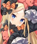 1girl :< abigail_williams_(fate/grand_order) arm_up bangs black_bow black_dress black_hat blonde_hair blue_eyes blush bow closed_mouth dress eyebrows_visible_through_hair fate/grand_order fate_(series) forehead hat head_tilt hitsukuya long_sleeves looking_at_viewer object_hug orange_bow parted_bangs pink_background simple_background sleeves_past_fingers sleeves_past_wrists solo stuffed_animal stuffed_toy teddy_bear