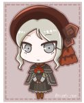 1girl ascot bangs beret black_capelet black_dress bloodborne boots brown_footwear brown_hat capelet character_request chibi closed_mouth commentary_request cross-laced_footwear dotted_line dress eyebrows_visible_through_hair full_body grey_eyes grey_hair hat knee_boots lace-up_boots long_sleeves looking_at_viewer noai_nioshi red_neckwear solo standing twitter_username