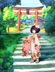 1girl akino_takehiko arm_up black_hair blue_eyes building floral_print forest hatsukoma_ruri highres japanese_clothes kimono nature obi official_art outdoors pink_kimono ruri_no_kasane_~imouto_monogatari~ sandals sash short_hair shrine side_ponytail solo stairs tabi torii tree