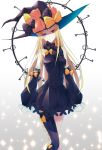 1girl abigail_williams_(fate/grand_order) absurdres adapted_costume bangs bare_shoulders black_bow black_dress black_hat blonde_hair blue_eyes blush bow breasts commentary_request detached_sleeves dress eyebrows_visible_through_hair fate/grand_order fate_(series) ginong glowing glowing_eye gradient gradient_background grey_background hair_bow hat heart heterochromia highres key keychain long_hair long_sleeves looking_at_viewer medium_breasts orange_bow parted_bangs polka_dot polka_dot_bow puffy_long_sleeves puffy_sleeves red_eyes revision single_thighhigh sleeves_past_fingers sleeves_past_wrists smile solo standing stuffed_animal stuffed_toy teddy_bear thigh-highs white_background
