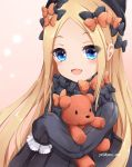 1girl :d abigail_williams_(fate/grand_order) bangs black_bow black_dress black_hat blonde_hair blue_eyes blush bow brown_background bug butterfly commentary_request dress eyebrows_visible_through_hair fate/grand_order fate_(series) forehead hair_bow hat highres insect long_hair long_sleeves looking_at_viewer object_hug open_mouth orange_bow parted_bangs polka_dot polka_dot_bow sleeves_past_fingers sleeves_past_wrists smile solo stuffed_animal stuffed_toy teddy_bear very_long_hair