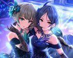 2girls bangs black_dress black_gloves black_hair blue_eyes blue_feathers bow bracelet brown_hair collarbone dress elbow_gloves eyebrows_visible_through_hair feathers gloves green_eyes hair_bow hair_feathers hayami_kanade heterochromia holding holding_microphone idolmaster idolmaster_cinderella_girls ilo jewelry microphone multiple_girls necklace parted_bangs parted_lips short_hair sleeveless sleeveless_dress smile sparkle standing takagaki_kaede upper_body